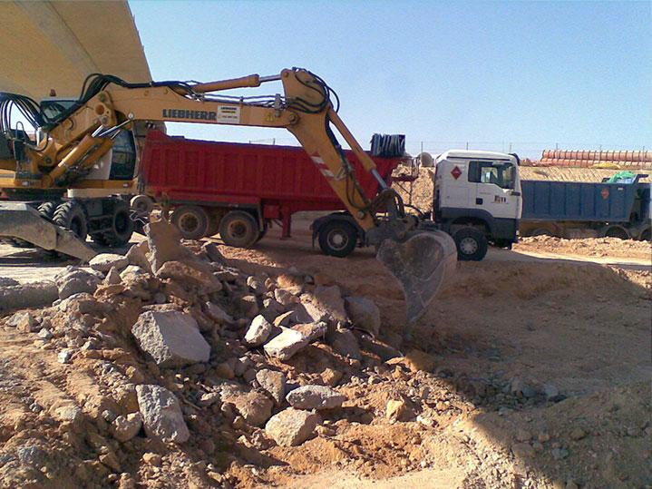 Demolición de pavimento exterior