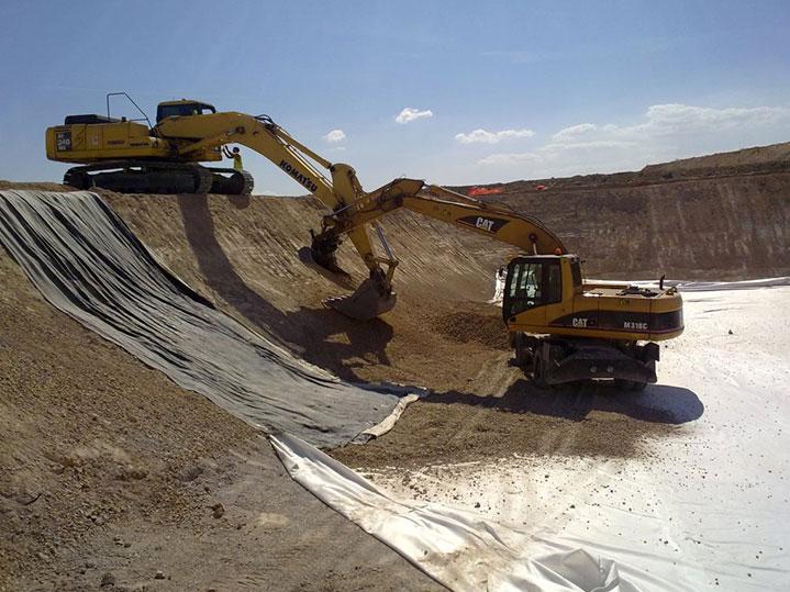 Desmontes y compactación de tierras